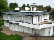 <h5>Coppet, Genève : Toiture avec revêtement métallique en zinc Anthra</h5>
